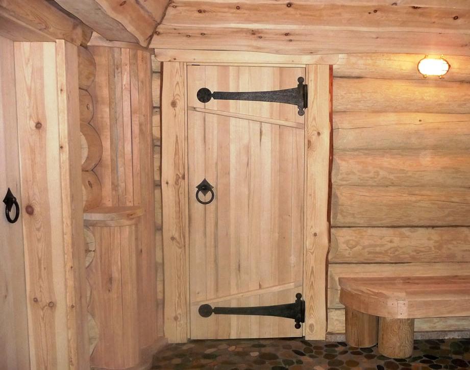 Двери деревянные для бани